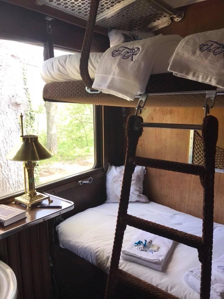 nos chambres train des r ves bed and breakfast gare de dracy saint loup bourgogne. Black Bedroom Furniture Sets. Home Design Ideas
